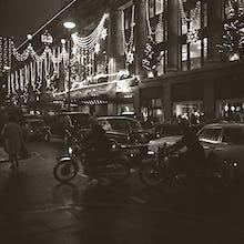 Selfridges at Christmas by night (1)