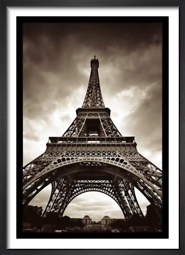 Eiffel Tower by Marcin Stawiarz