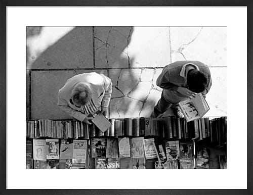 Bookstall browsers, South Bank by Niki Gorick