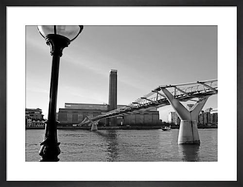 Policeboat by Tate Modern by Niki Gorick