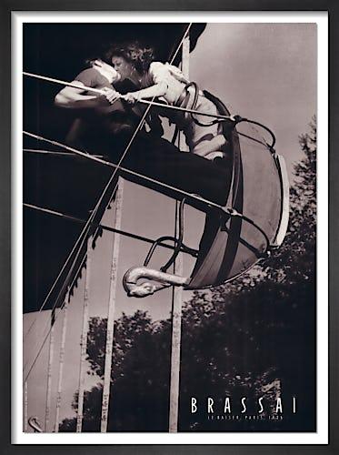Le Baiser, Paris, 1936 by Brassai