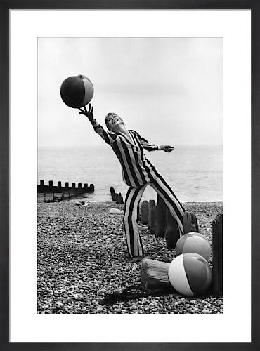 Vogue July 1970 by Henry Clarke