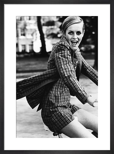 Twiggy, Vogue July 1967 by Ronald Traeger